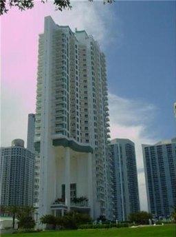 900 Brickell Key Blvd Apt 1701, Miami, FL 33131
