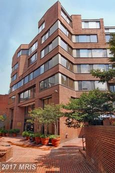 1077 30th St NW Unit 605, Washington, DC 20007