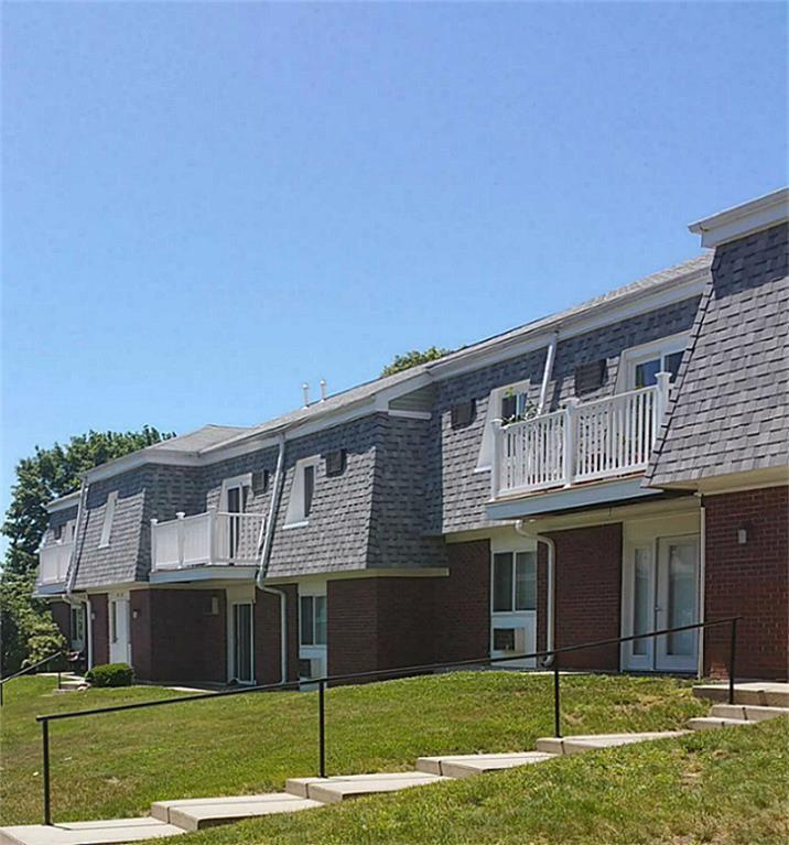 1A Rolling Green Dr, Amherst, MA 01002