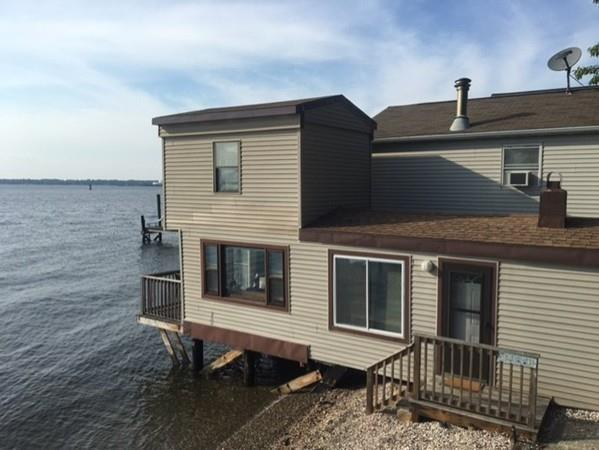 4 Riverview St, Fall River, MA 02724