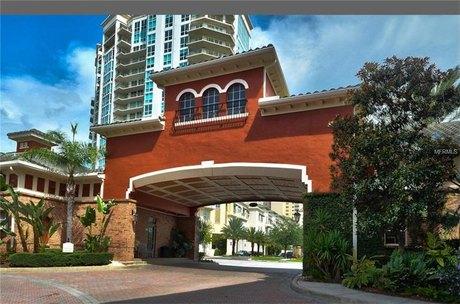 501 Knights Run Ave Apt 2214, Tampa, FL 33602
