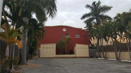 437 Sw 3rd St Apt 3 Miami, FL 33130