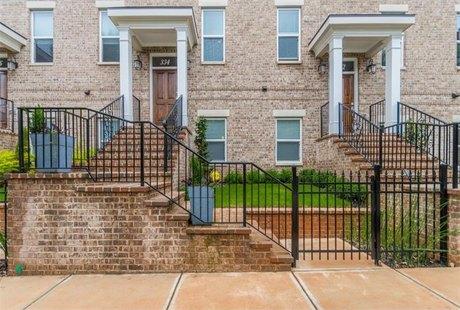 334 Brownstones Cir NE, Atlanta, GA 30312