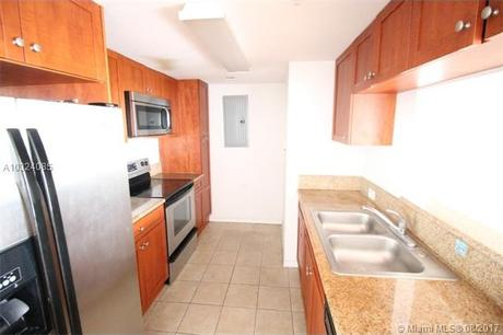 36 NW 6th Ave Apt 907, Miami, FL 33128