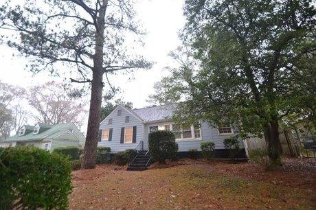 1360 Lochland Rd Se Atlanta, GA 30316