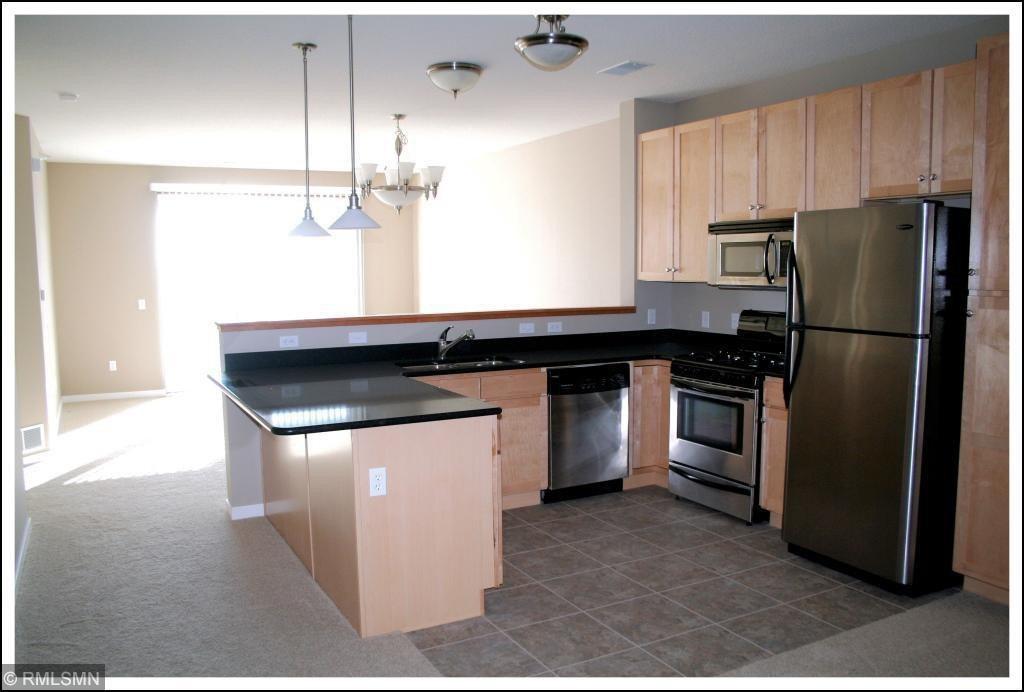 1070 Grandview Ct NE Apt 403, Columbia Heights, MN 55421