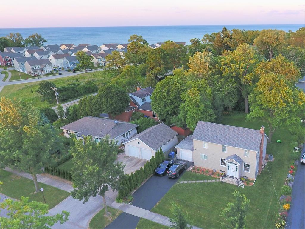 2775 Fort Sheridan Ave, Highland Park, IL 60035