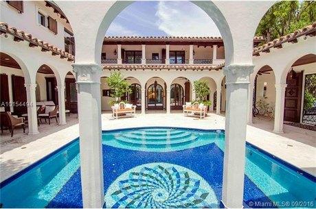 5396 N Bay Rd, Miami Beach, FL 33140
