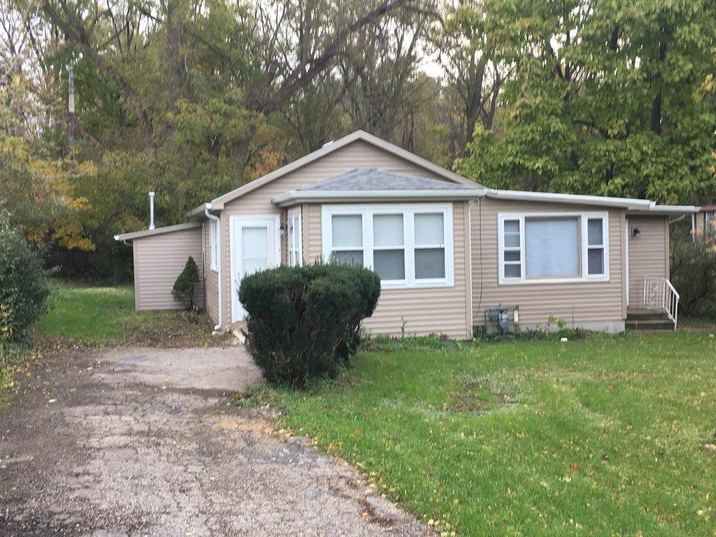 38792 N Hickory St, Lake Villa, IL 60046