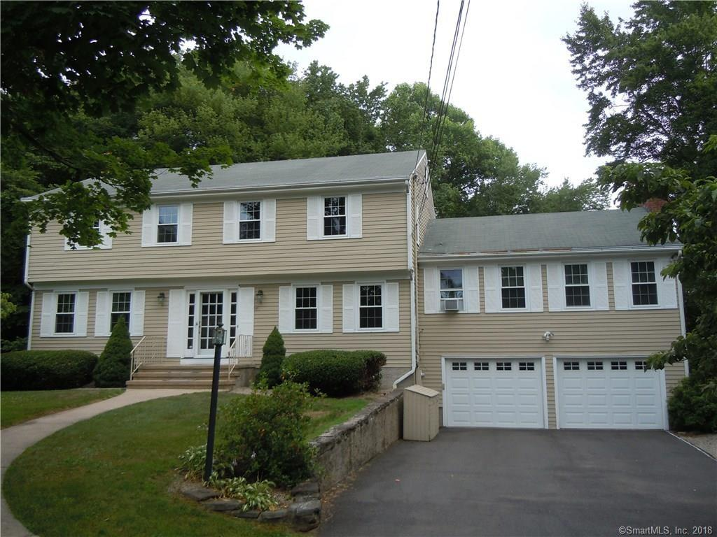 18 Corbin Cir, Branford, CT 06405