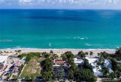 462 N Pkwy, Golden Beach, FL 33160