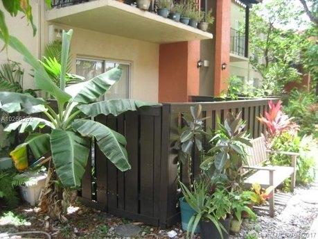 10762 N Kendall Dr Apt I9, Miami, FL 33176