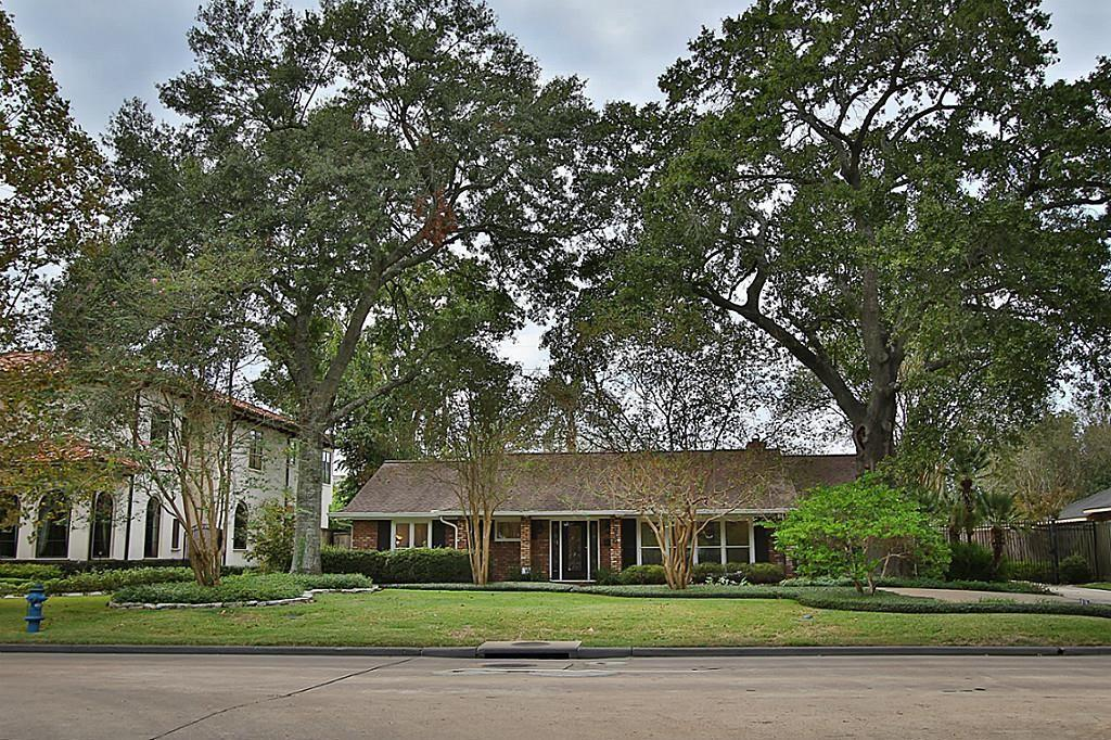 918 Chimney Rock Rd, Houston, TX 77056