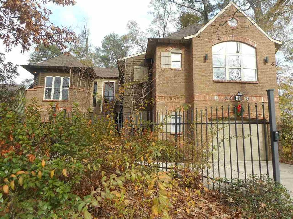 Outstanding 1616 E Northside Dr Single Family House For Rent Download Free Architecture Designs Pendunizatbritishbridgeorg