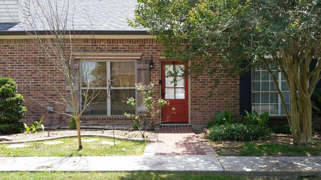 1008 Carriage Light Loop, Youngsville, LA 70592
