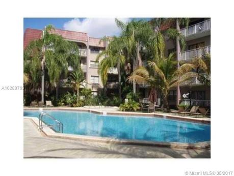 9301 SW 92 Ave Unit 307B, Miami, FL 33176