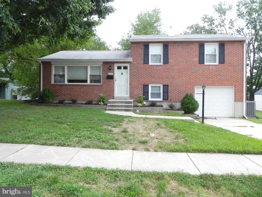 1621 Charmuth Rd, Lutherville Timonium, MD 21093