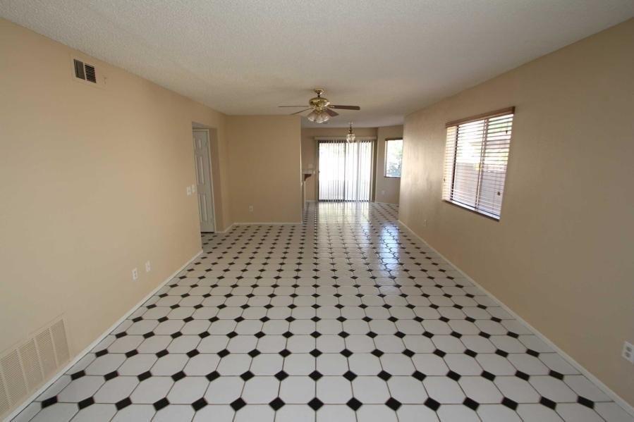 43203 W 32nd St Single Family House For Rent Doorstepscom
