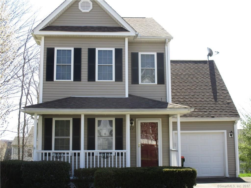 27 Hickory Ct, Wallingford, CT 06492
