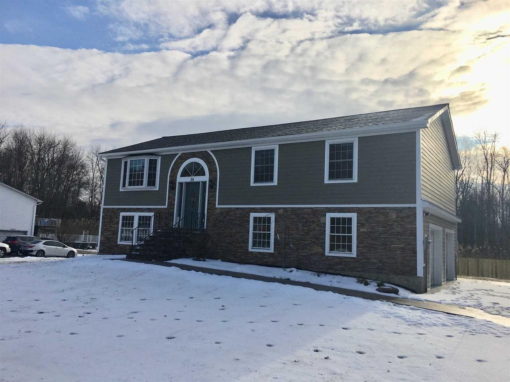 39 Stephen Dr, Hopewell Junction, NY 12533