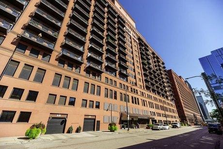 165 N Canal St Apt 1426, Chicago, IL 60606