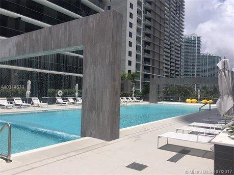 45 SW 9th St Apt 1402, Miami, FL 33130