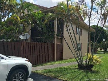 11253 N Kendall Dr Apt G205, Miami, FL 33176