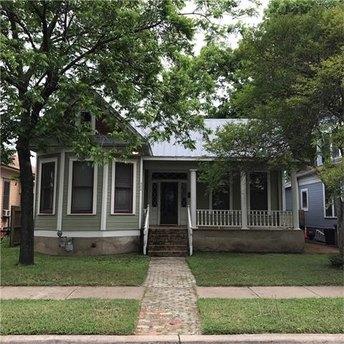 904 Willow St Austin, TX 78702