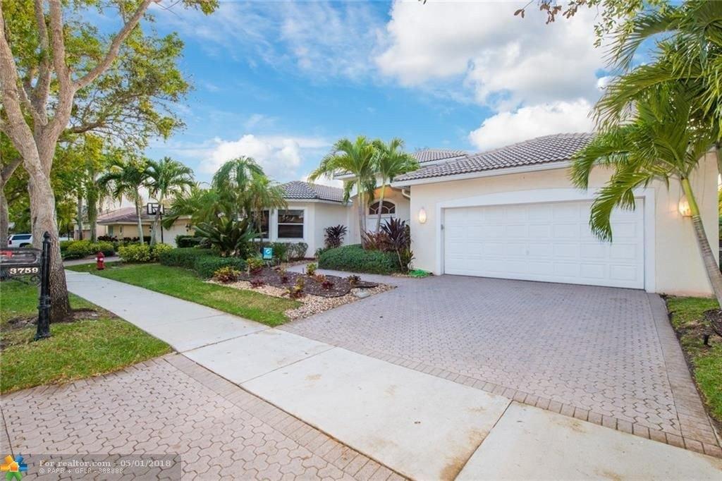 3759 Oak Ridge Cir, Weston, FL 33331