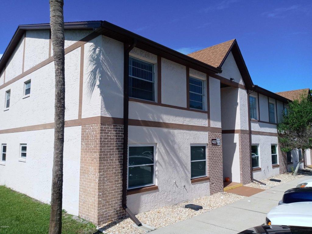 422 Banana Cay Dr Apt E, South Daytona, FL 32119