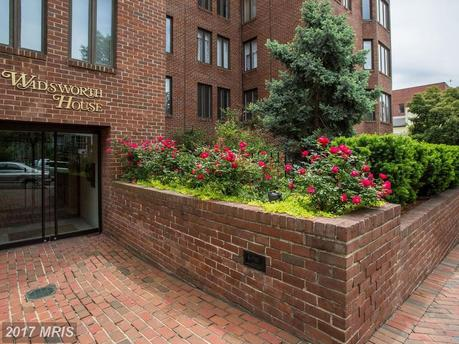 1045 31st St NW Apt 304, Washington, DC 20007