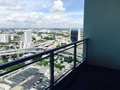 92 Sw 3rd St Apt 4006 Miami, FL 33130