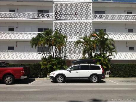 10250 W Bay Harbor Dr Apt 2e Bay Harbor Islands, FL 33154