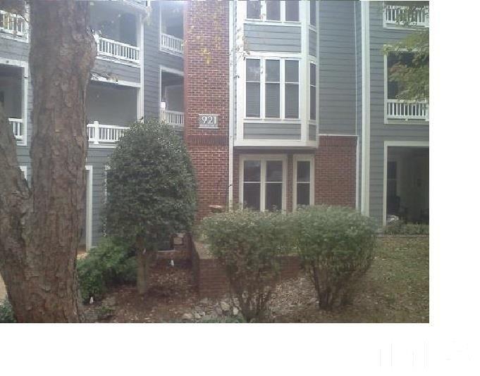 921 Washington St Apt 201, Raleigh, NC 27605