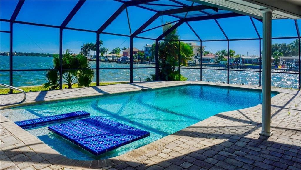745 126th Ave, Treasure Island, FL 33706
