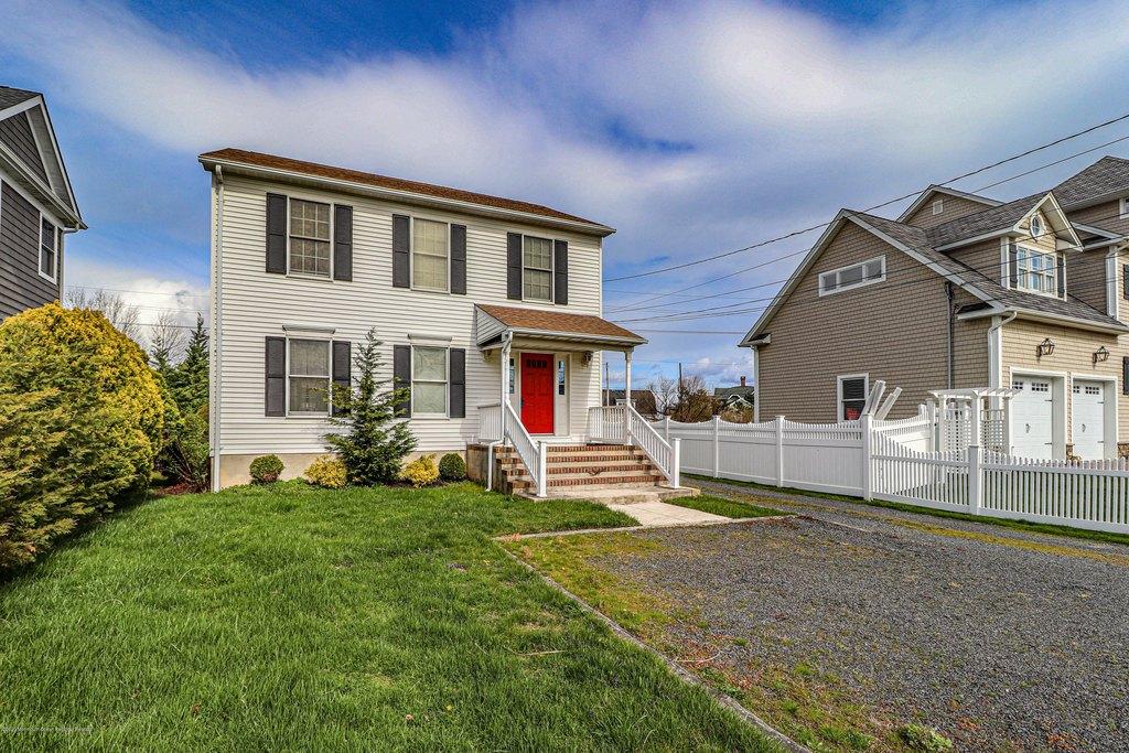 7 Riverdale Ave Unit A, Monmouth Beach, NJ 07750