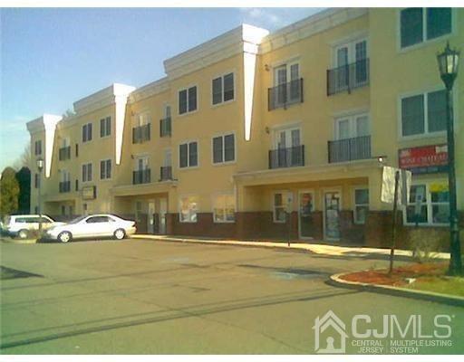 160 Durham Ave Apt 201, Metuchen, NJ 08840