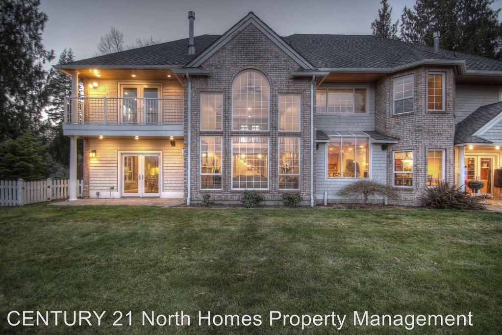 22833 Lake Terrace Ln, Mount Vernon, WA 98274